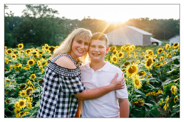Richmond Family Photographer | Family Session in the Sunflowers