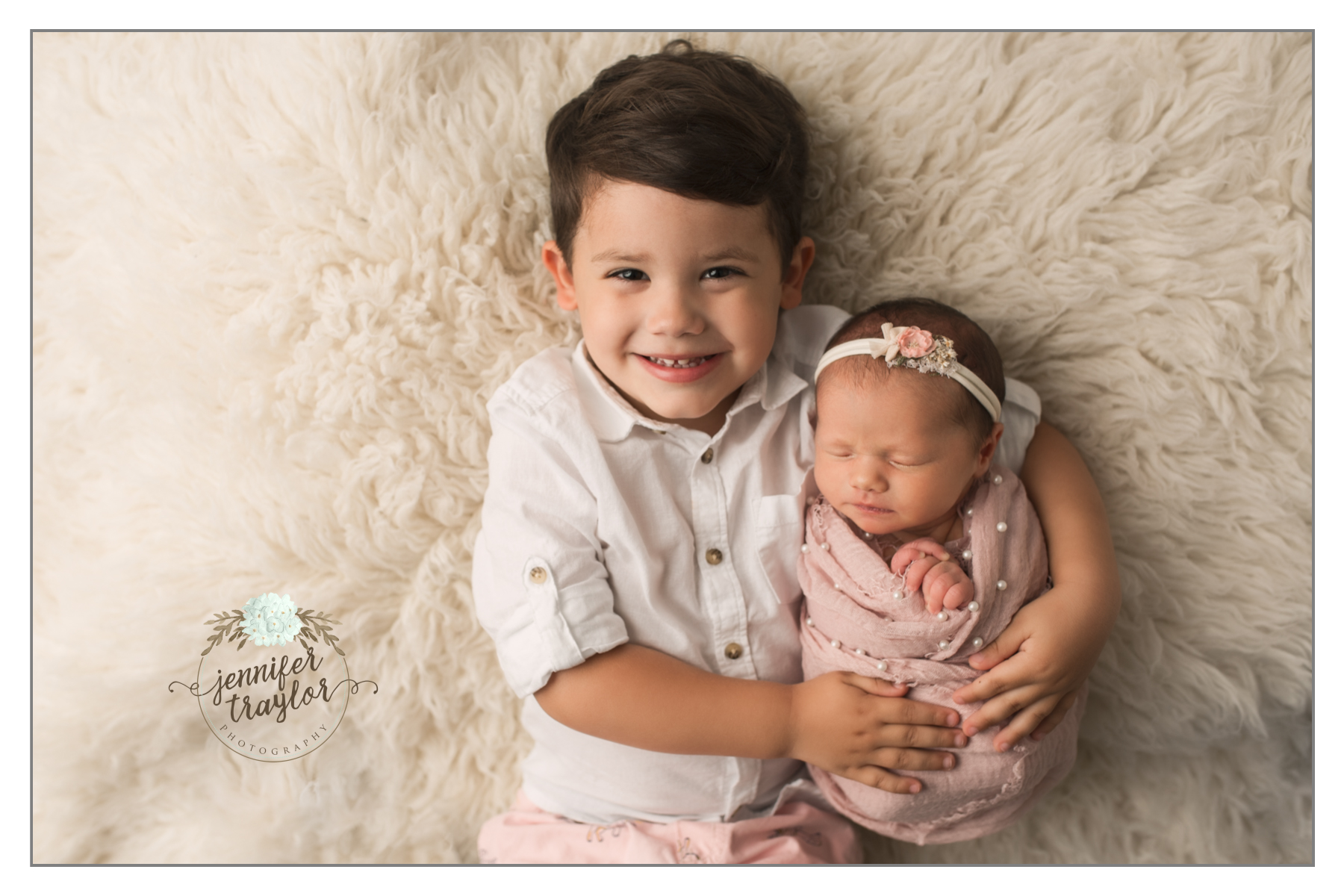One of my favorite type of sessions is a newborn session that includes an older sibling that i have photographed as a newborn as well